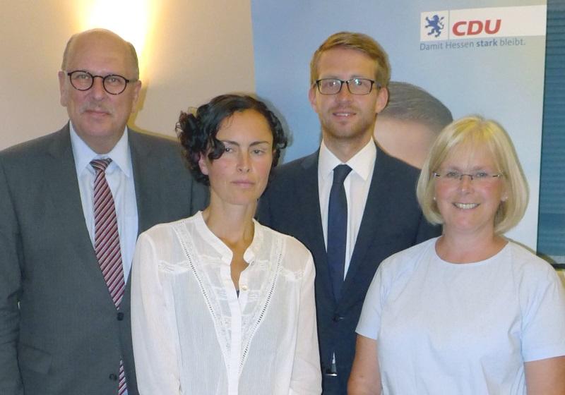 Von links: Sozialminister Stefan Grüttner, Iris Brunn, CDU-Landtagskandidat Michael Ruhl und Susanne Sommer