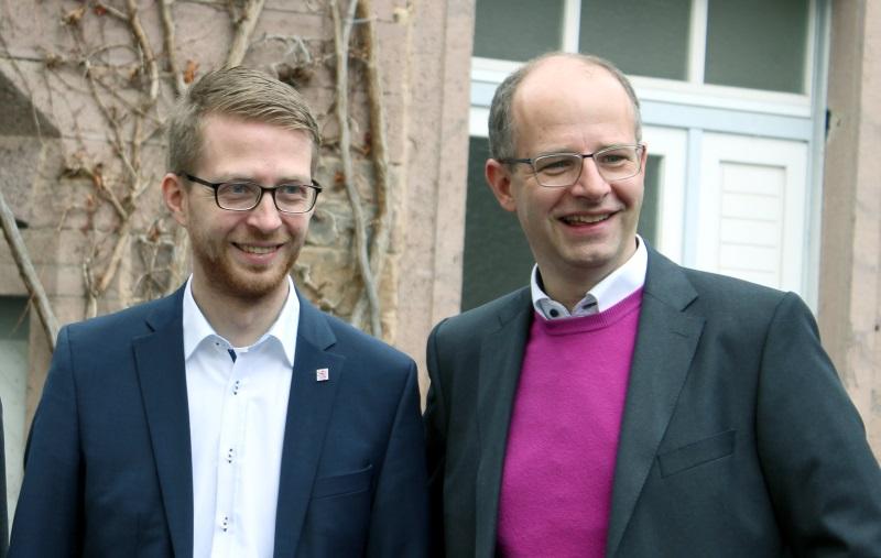 Landtagsabgeordneter Michael Ruhl (links) und Bundestagsabgeordneter Michael Brand freuen sich über weiteren Zuschuss vom Land zum Digitalausbau
